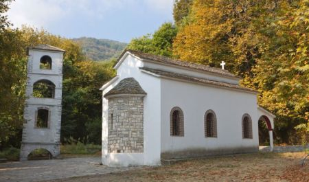 traditional-church-at-tsangarada-of-pelion