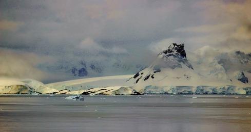 volcano-283958_640