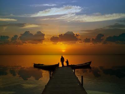 Αποτέλεσμα εικόνας για Η ευτυχία μας μέσω των άλλων...