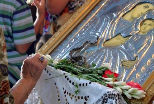 Αποτέλεσμα εικόνας για Βγήκαν τα φιδάκια της Παναγίας στην Κεφαλονιά. – Η ιστορία με τα φιδάκια και η θαυματουργή εικόνα…