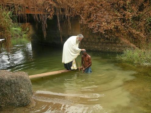 Αποτέλεσμα εικόνας για βαπτισμα αφρικη