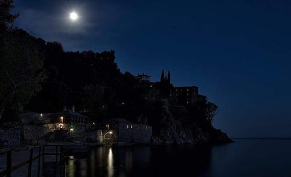 Αποτέλεσμα εικόνας για αγιο ορος νυχτα