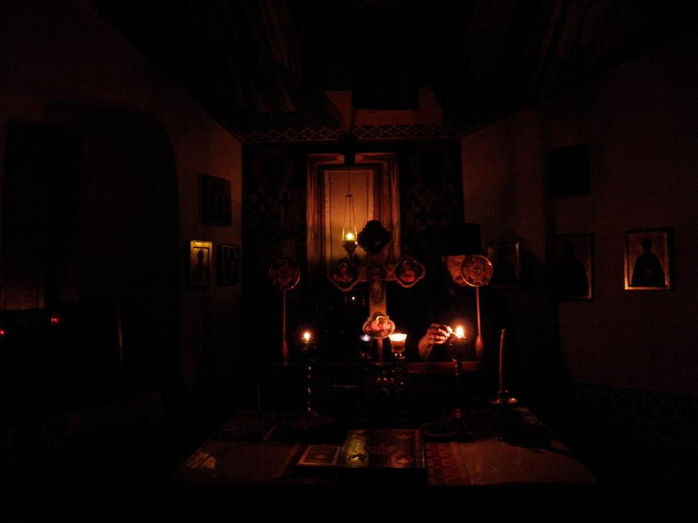 Έκτακτο Παράρτημα: Αγρυπνία σε ολόκληρο το Άγιον Όρος για την παγκόσμια  ίωση του κορωναϊού